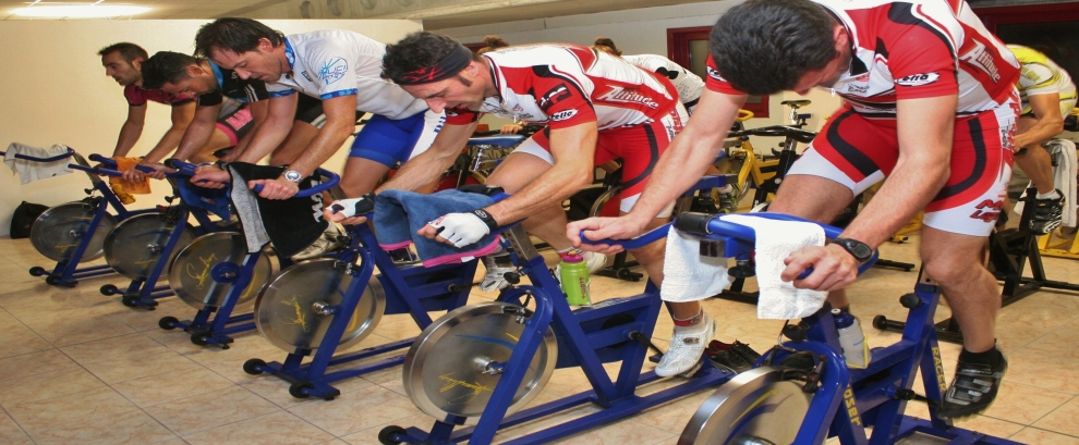 INDOOR CYCLING INDOOR TRAINING